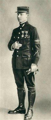 018-m-r-stefanik-ako-podporucik-v-roku-1915-na-fronte-v-srbsku.jpg